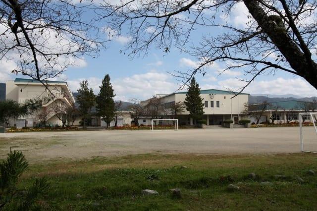 豊科北小学校