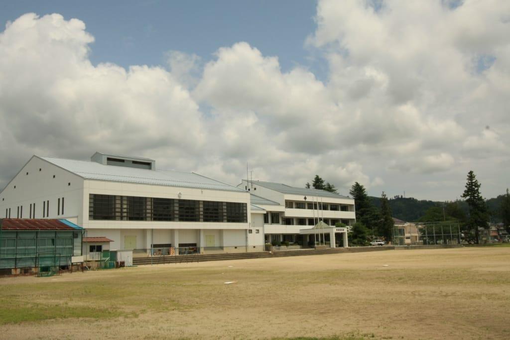 高瀬中学校